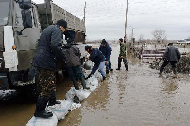 ШҚО Зырян ауданындағы су тасқыны салдарын жоюға кеншілер кірісті