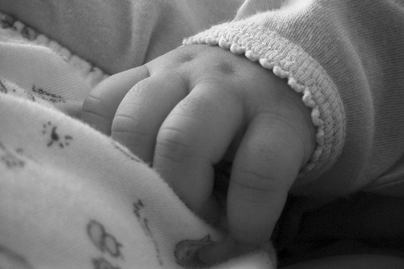 Тело младенца нашли рядом с мусорными баками в Павлодарской области