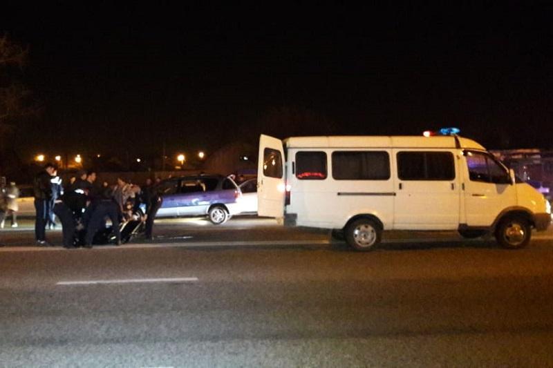 Автомобилист в Алматы насмерть сбил юношу на «зебре» и скрылся