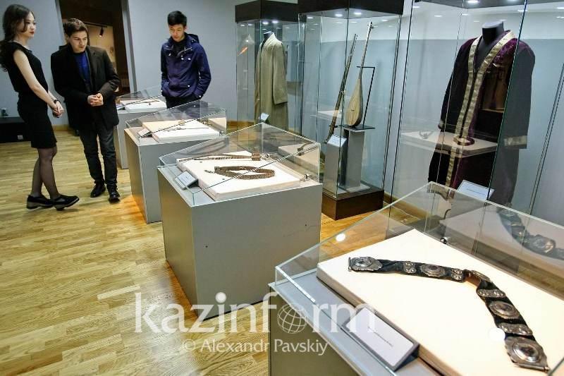 Копия домбры Курмангазы появилась в алматинском музее народных инструментов