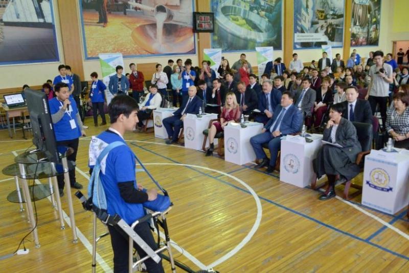 За трое суток в Павлодаре 50 инженеров разработали 10 приспособлений для инвалидов
