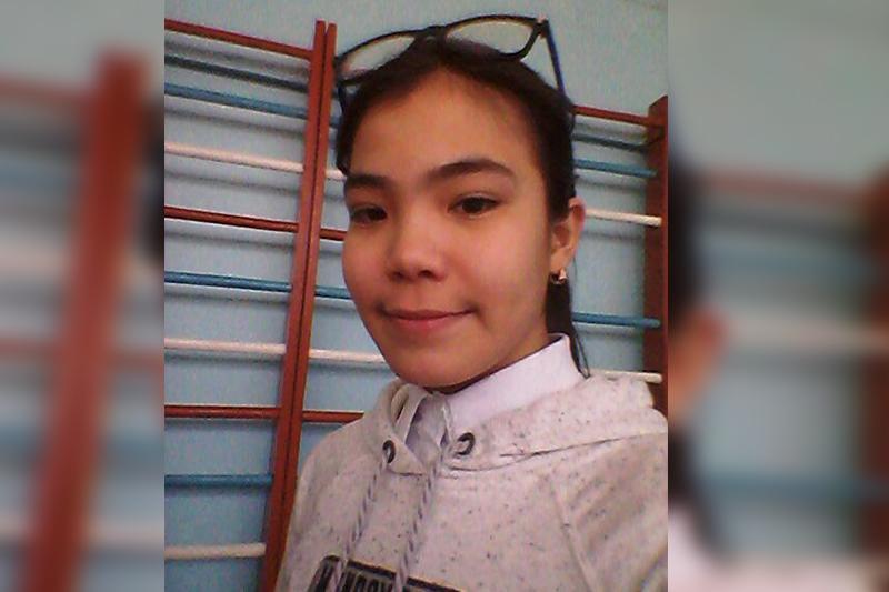 Алматы: Жоғалған 15 жасар қыз сауда үйінің камерасына түсіп қалған