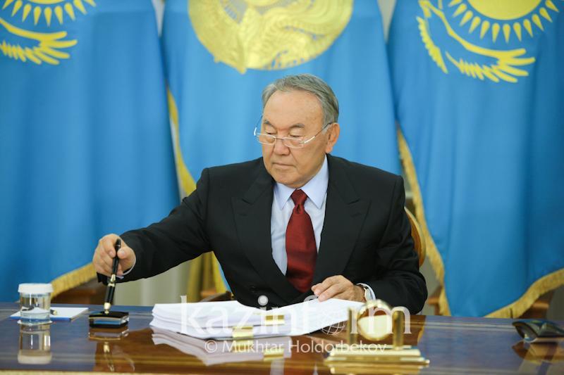 Нурсултан Назарбаев: Я ежедневно пишу на латинице