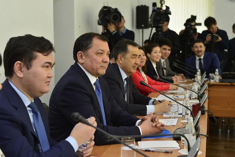 300 образовательных грантов выдадут в Атырауской области