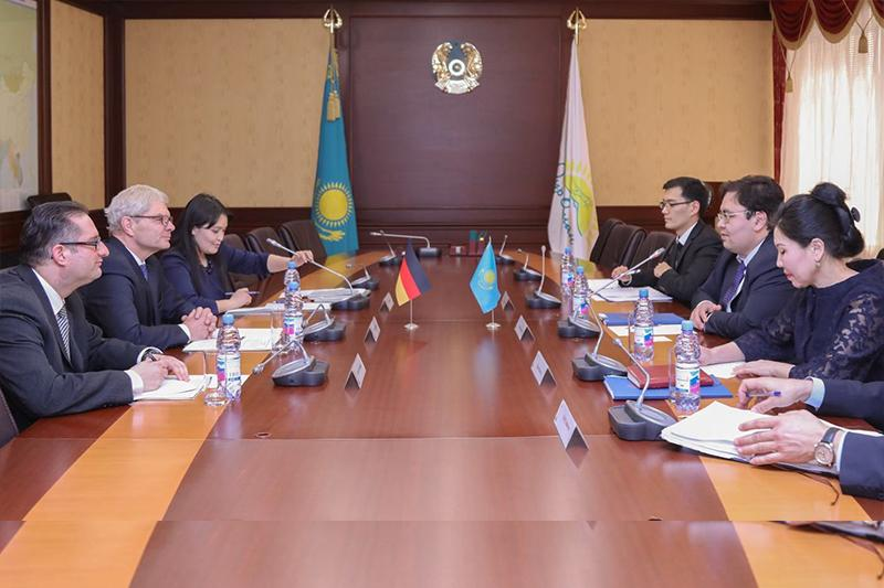 Kazakhstan, Germany discuss expansion of investment cooperation in Astana