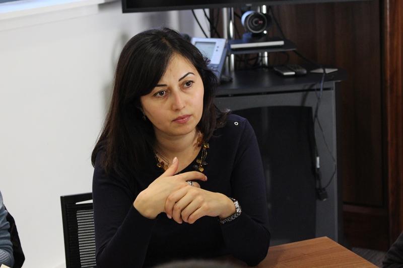 Выбор в пользу мирной и успешной страны должны сделать казахстанцы - эксперт