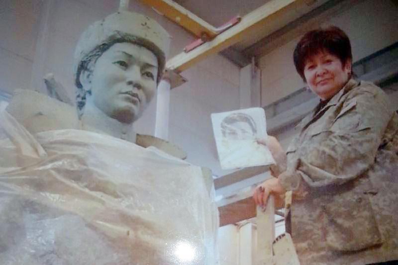 Памятник Маншук Маметовой установят в Астане