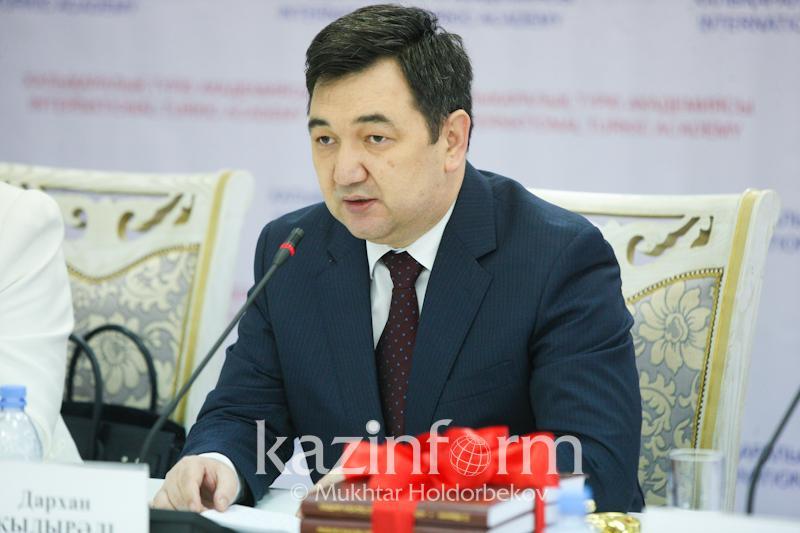 Творчество Чингиза Айтматова объединяет казахов и кыргызов - Дархан Кыдырали