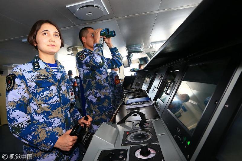 23 жастағы қазақ қызы Қытайдағы ең алып әскери кемені жүргізеді