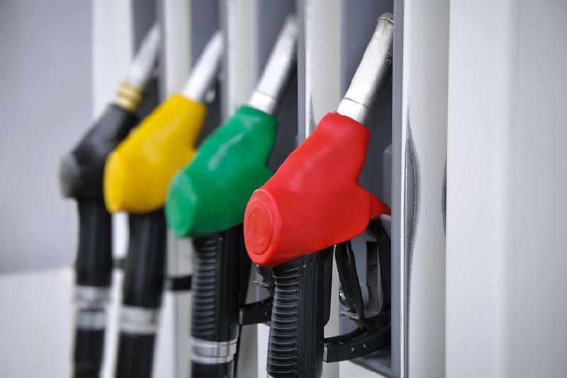 Снижение цен на бензин прокомментировал глава Минэнерго