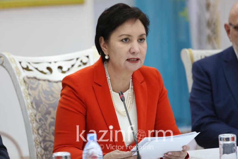Гүлшара Әбдіқалықова «Мерейлі отбасы» конкурсы жөніндегі комиссияның отырысын өткізді