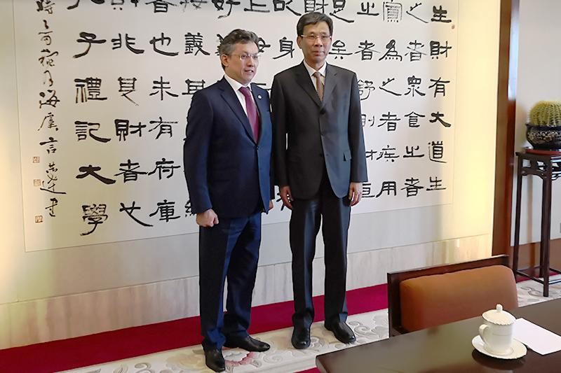 Kazakh Finance Minister meets Chinese colleague in Beijing