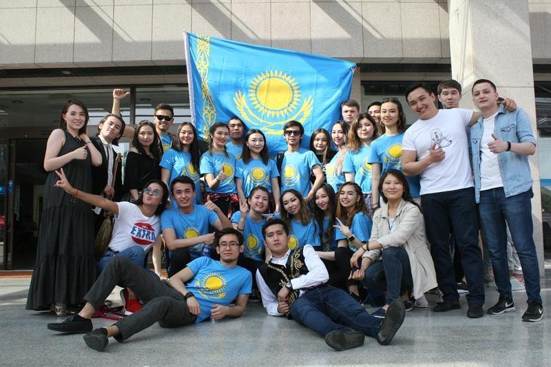 哈萨克斯坦在华留学生联盟在京宣传哈萨克斯坦