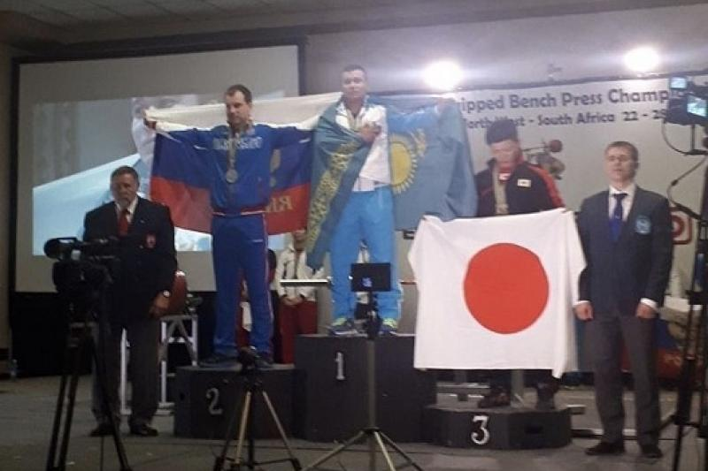 Казахстанец стал чемпионом мира по пауэрлифтингу