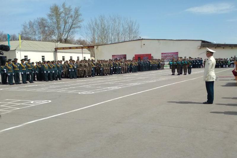 В самом крупном объединении Нацгвардии наградили военнослужащих