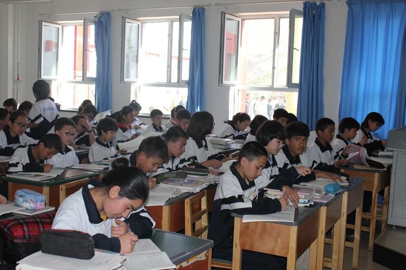 Шыңжаң-Ұйғыр автономиялық өлкесінде қазақ мектебіндегі конкурста бір орынға 4-5 адамнан келеді