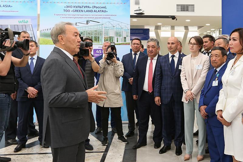 Нурсултан Назарбаев встретился с бизнес-сообществом Алматинской области