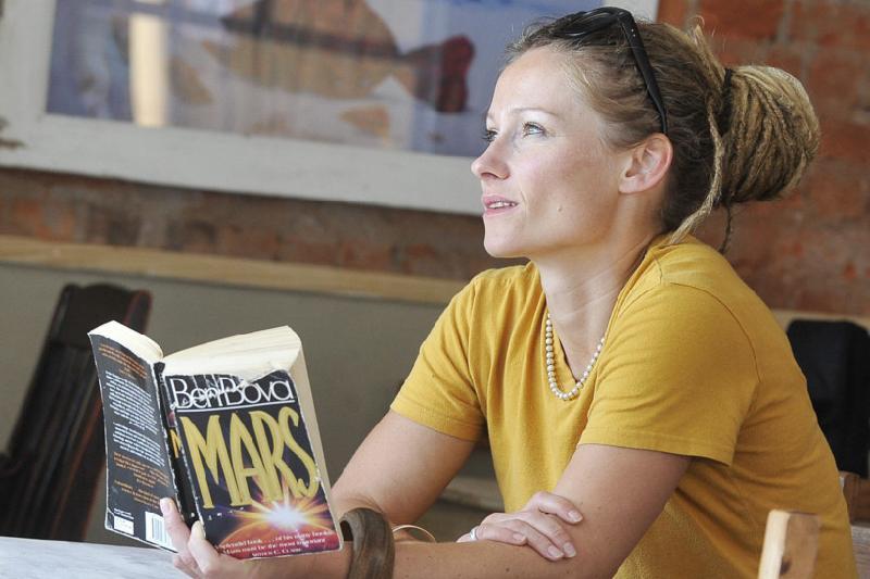 Одна из первых колонизаторов Марса расскажет о женском лидерстве на саммите в Астане
