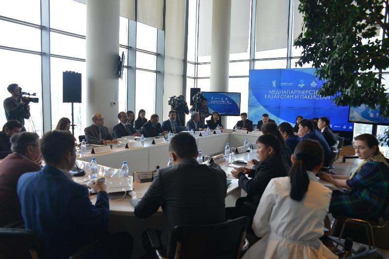 Пакистан заинтересован в сотрудничестве с Казахстаном в информационной сфере - посол