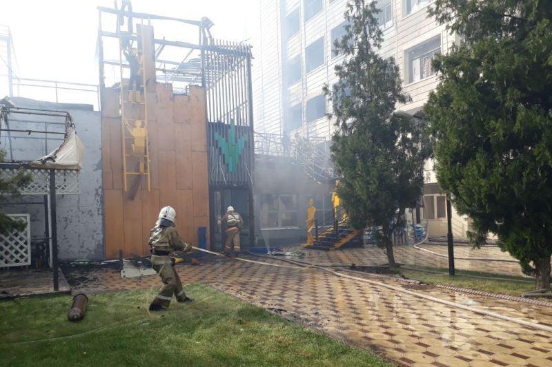 Площадь пожара в кафе в Шымкенте составила 580 квадратных метров