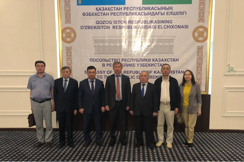 Казахстан и Узбекистан планируют выпускать совместную газету на латинице