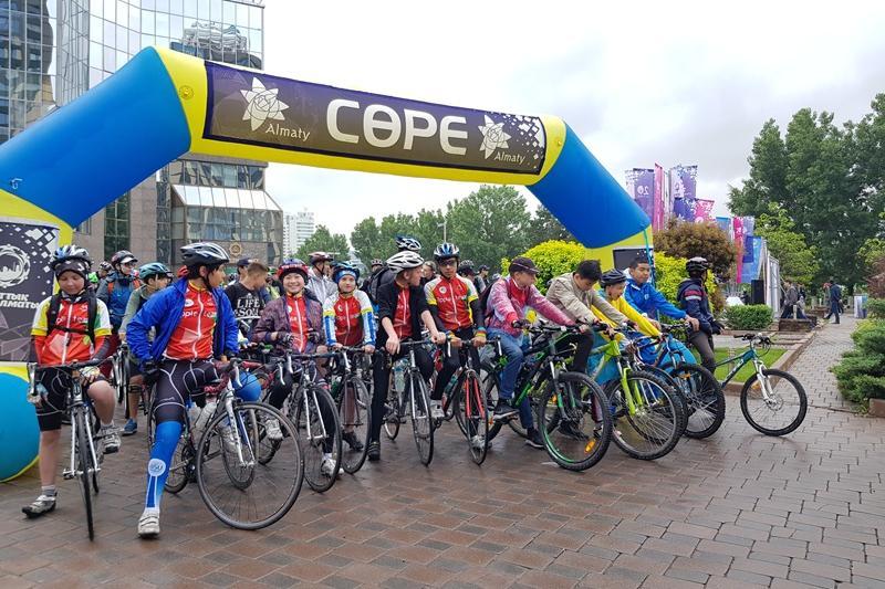 В Алматы состоялся третий массовый велопробег