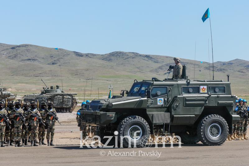 Казахстан начал экспортировать продукцию оборонно-промышленного комплекса