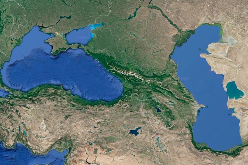纳扎尔巴耶夫总统提议大力推动里海和黑海航路联通工程