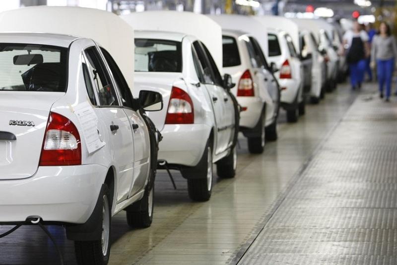 Каждый второй проданный автомобиль в Казахстане - отечественного производства
