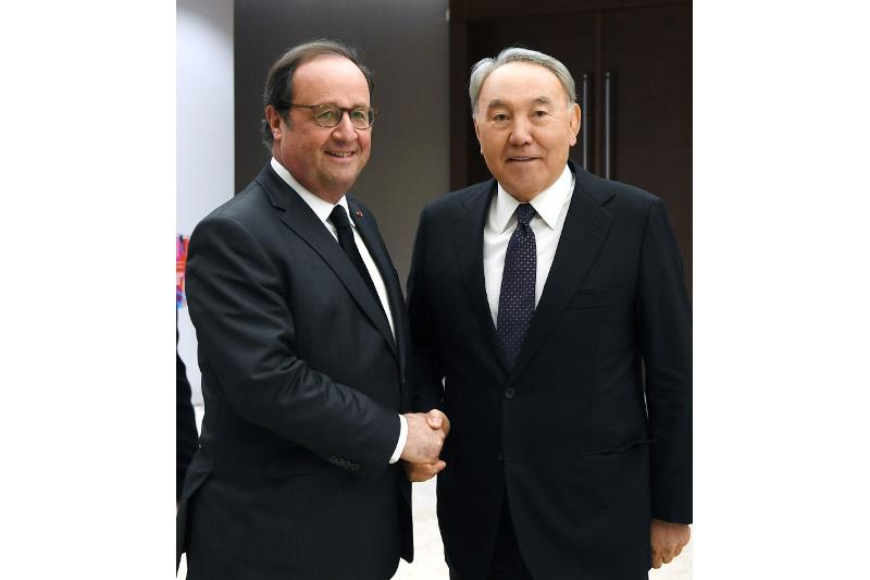 Nazarbayev and Hollande had talks in Astana