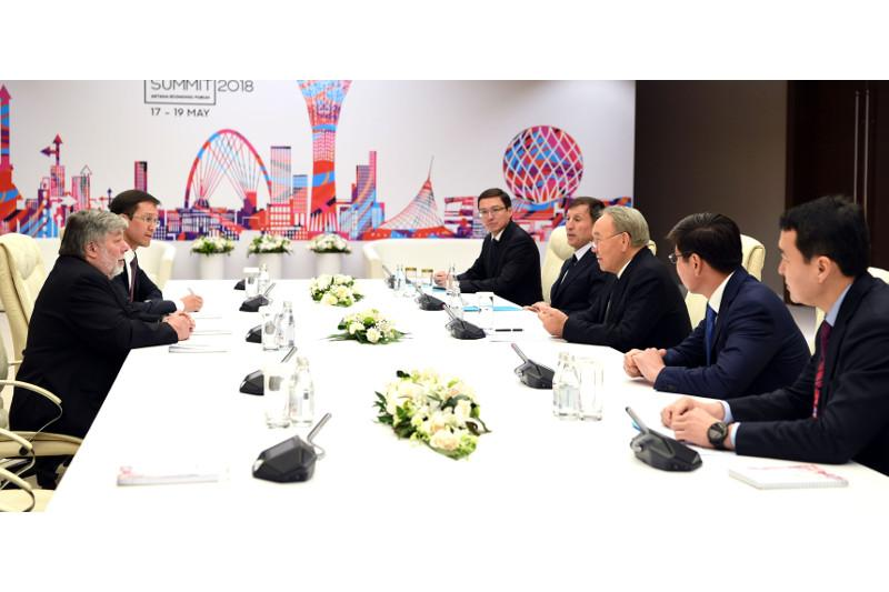 Nursultan Nazarbayev, Steve Wozniak debated cryptocurrency development prospects