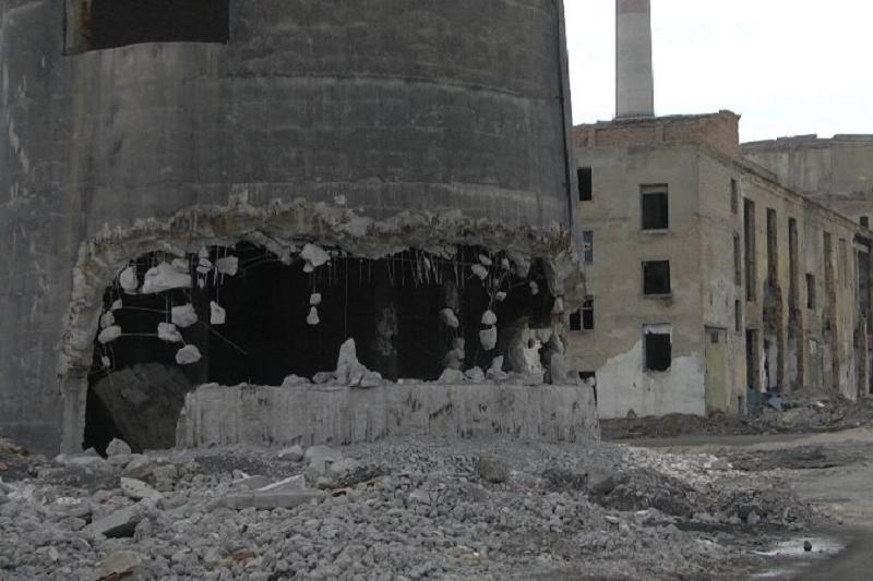 Заброшенный мост и трубу снесут в Шымкенте