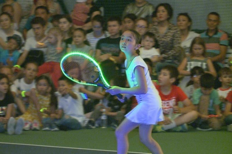 Лазерное теннисное шоу показали в Атырау