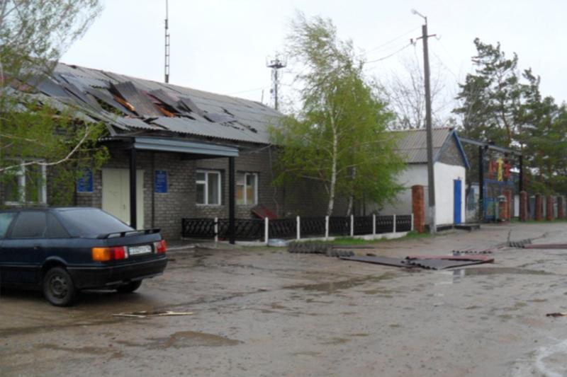 Ураган в Павлодарской области: Сорваны крыши с 7 зданий