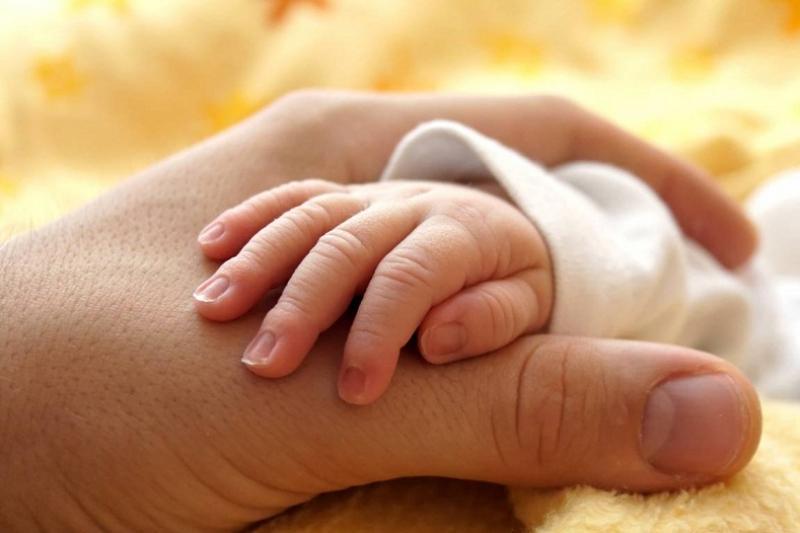 Брошенного матерью младенца в Караганде перевели в Дом ребенка