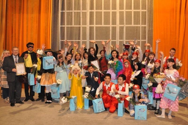 Дети с особыми образовательными потребностями показали спектакль в Павлодаре