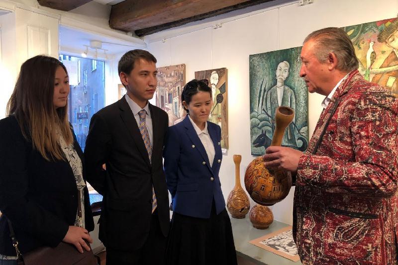 Выставка казахстанского художника открылась в Стокгольме