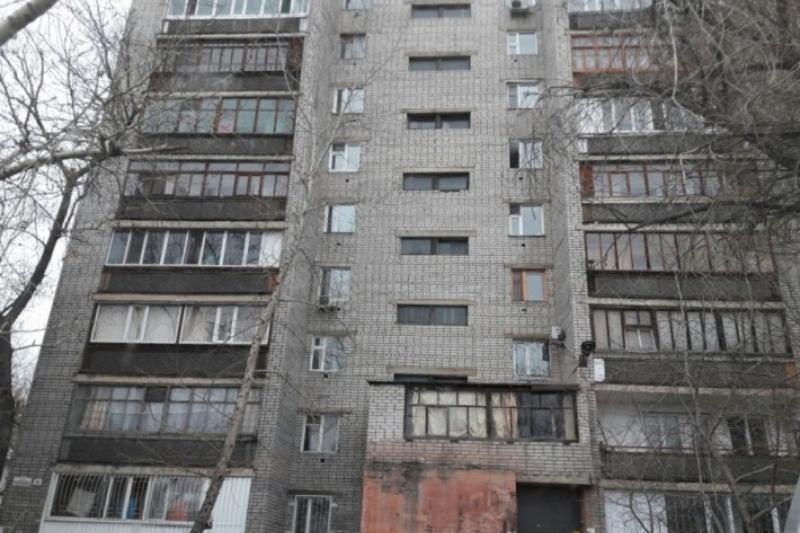 Семейчане второй месяц ждут ремонта окон после взрывов на Иртыше