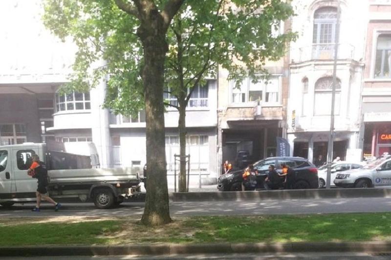Бельгияда ер адам екі полицейді атып өлтірді