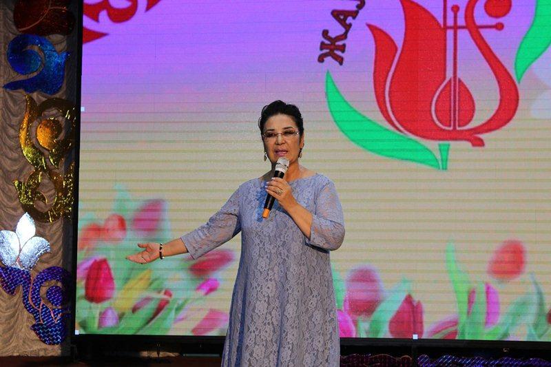 Майра Ілиясова Үржарда өткен «Жауқазын» өнер байқауының құрметті қонағы болды