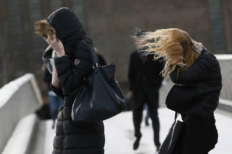 Штормовое предупреждение объявлено в Астане и двух областях Казахстана