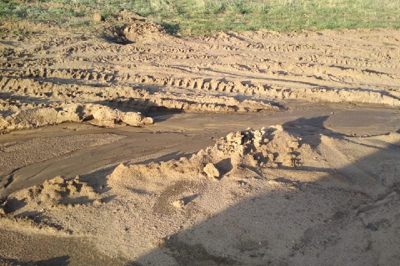Жители Темиртау просят отремонтировать дорогу в сторону кладбища