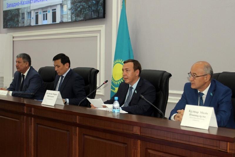 Көшербаев пен Әйтімоваға «БҚО-ның құрметті азаматы» атағы берілді
