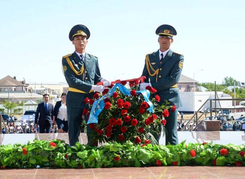 政治迫害和大饥荒受害者纪念日:哈萨克斯坦各地举办致哀仪式