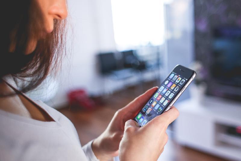 «Привлекательную воровку» сотовых телефонов задержали в Алматинской области