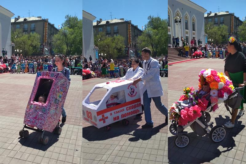 Парад детских колясок прошел в Караганде