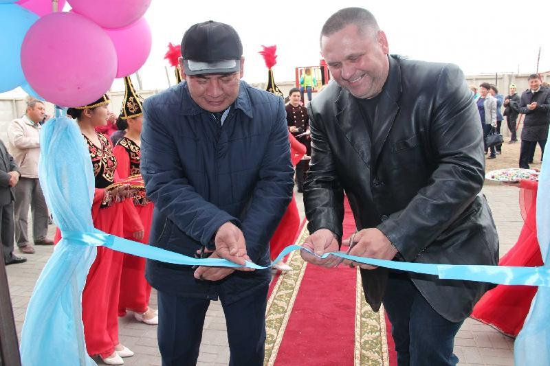 Очередникам вручили ключи от квартир в Акмолинской области