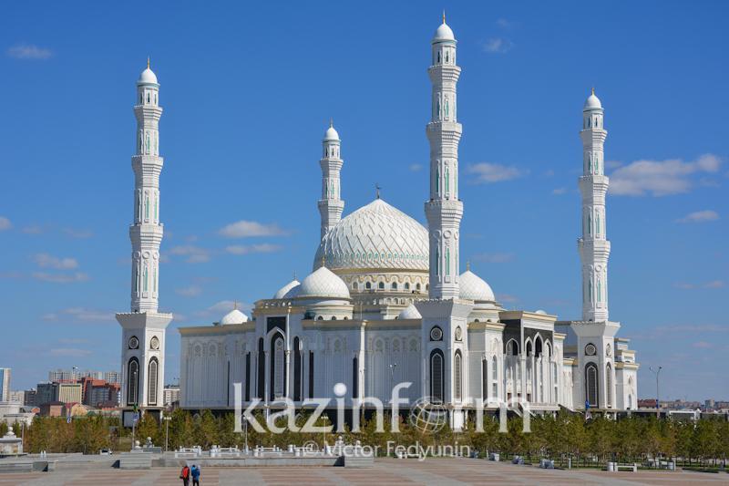 «Әзірет Сұлтан» - Орталық Азиядағы ең зәулім һәм ең әдемі мешіт