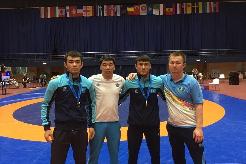 Три медали завоевали атырауские борцы в Румынии