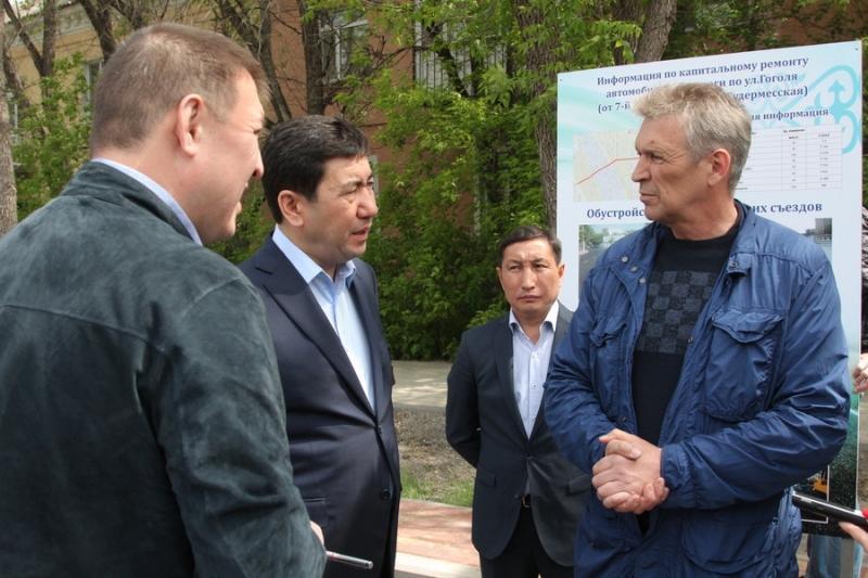 Ерлан Кошанов раскритиковал ремонт дорог в Караганде